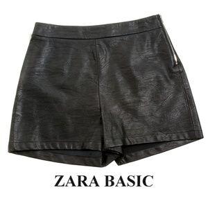 Zara Basics Collection Faux Leather Shorts EUC - M